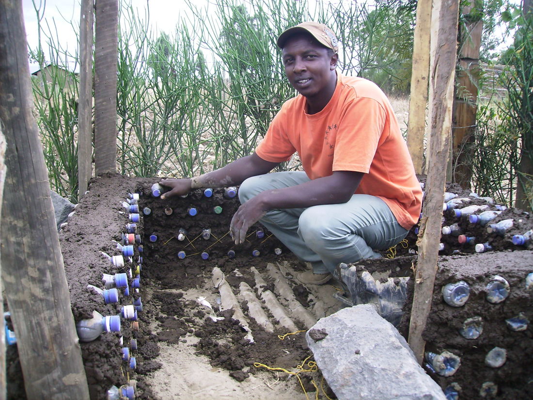 kenyan bottle building project